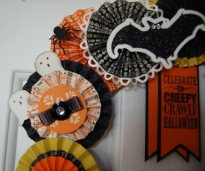 Halloween Wreath Ghosts and Bat